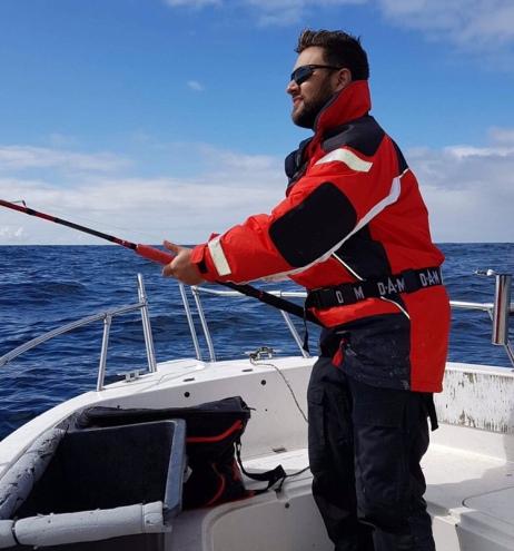 """Jakter hvitskate, men sjøen var """"svart"""" Foto: Jostein Lundal"""